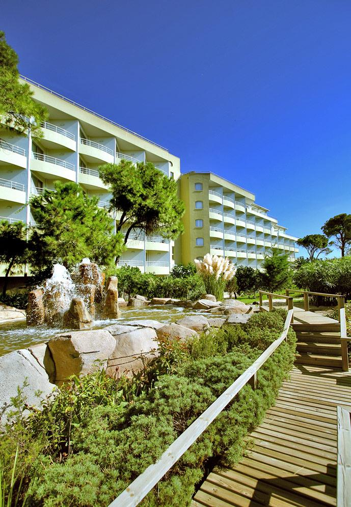 maritim-pine-beach-resort-000
