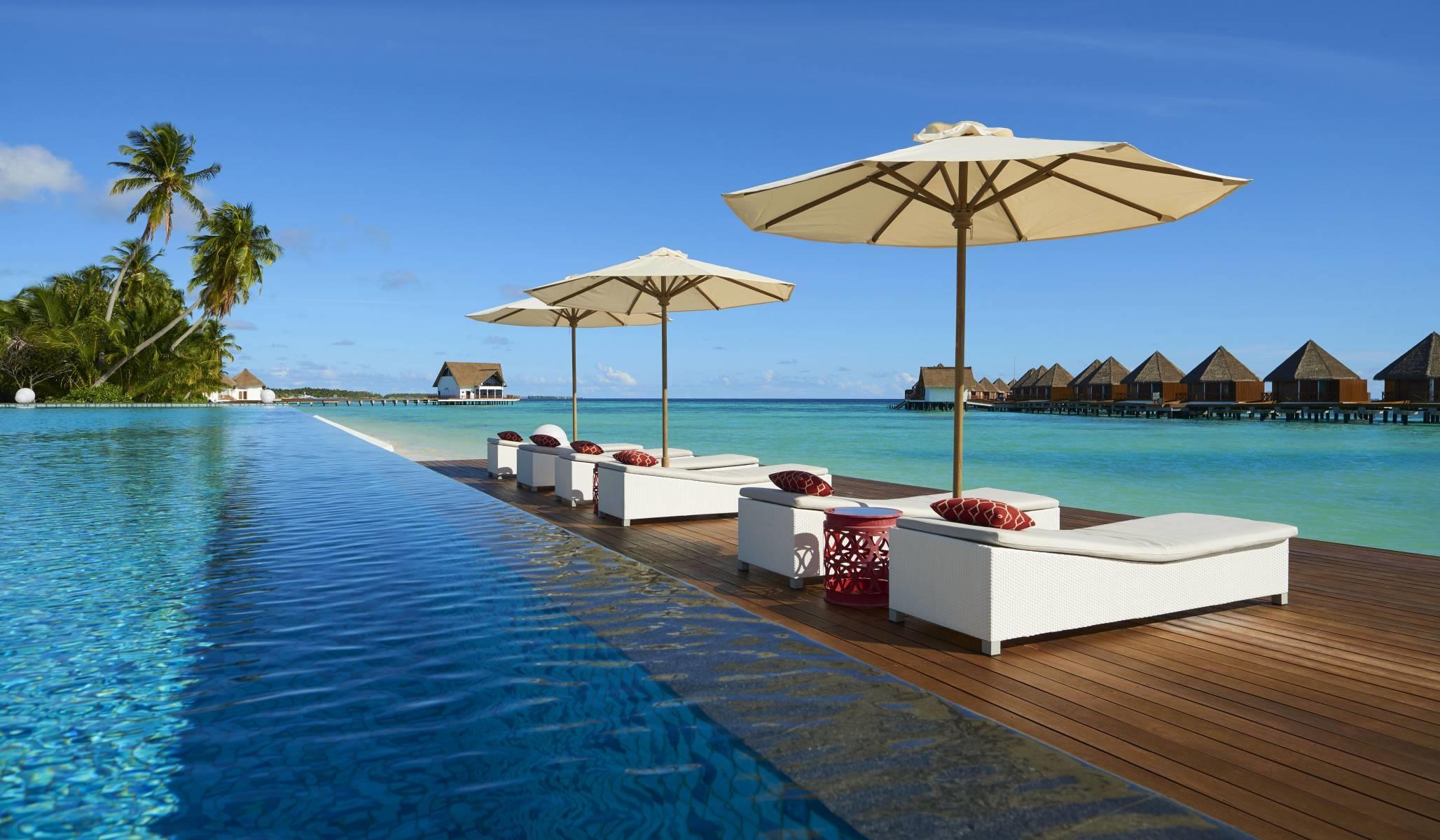 mercure-maldives-kooddoo-resort-genel-001