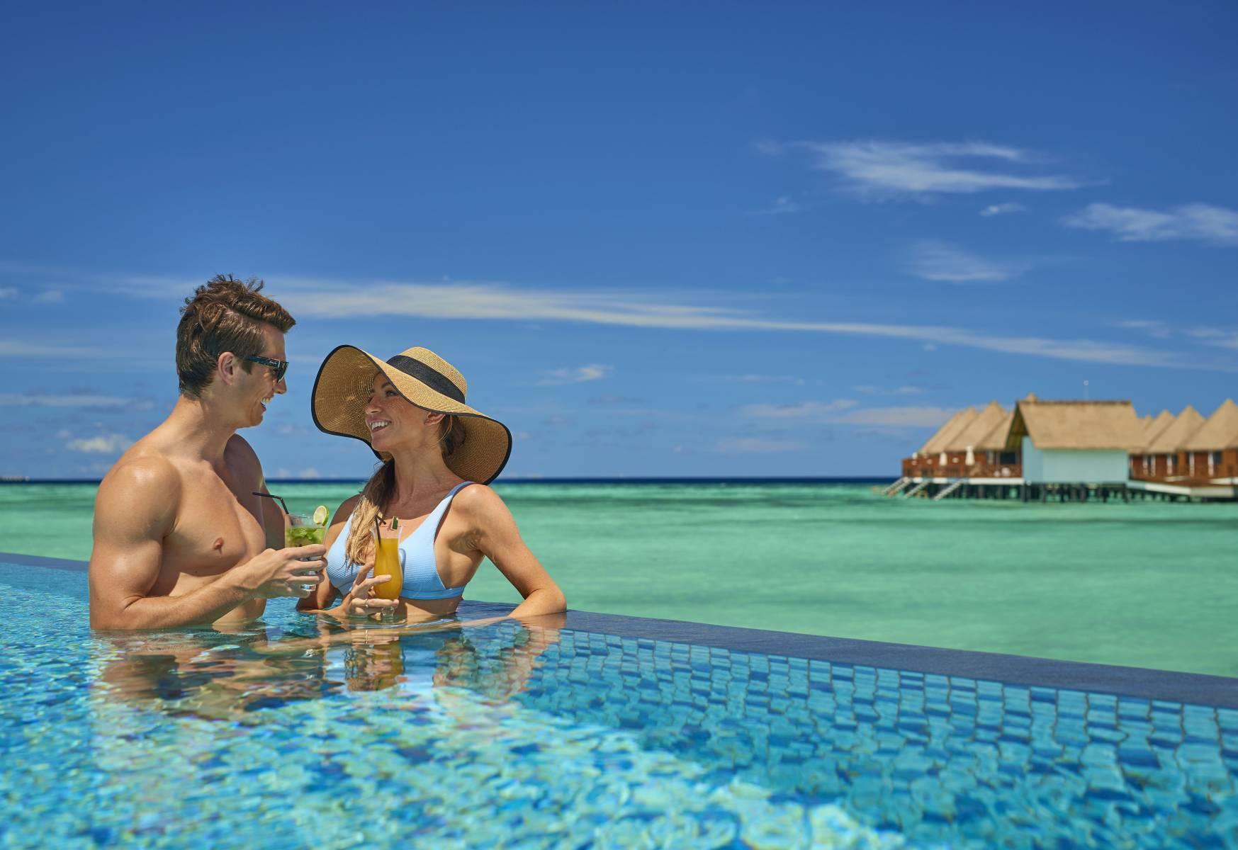 mercure-maldives-kooddoo-resort-genel-0010