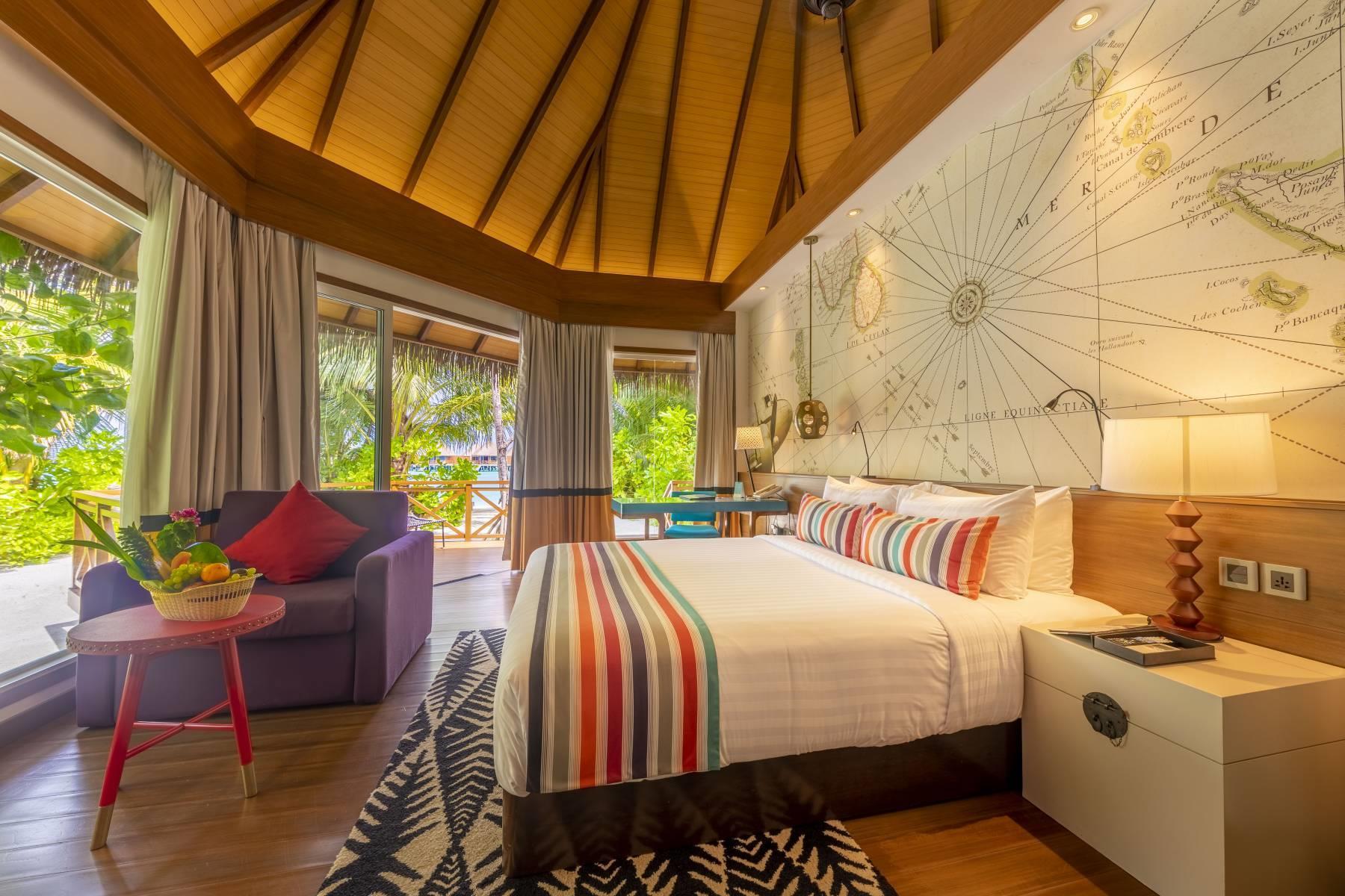 mercure-maldives-kooddoo-resort-genel-0013