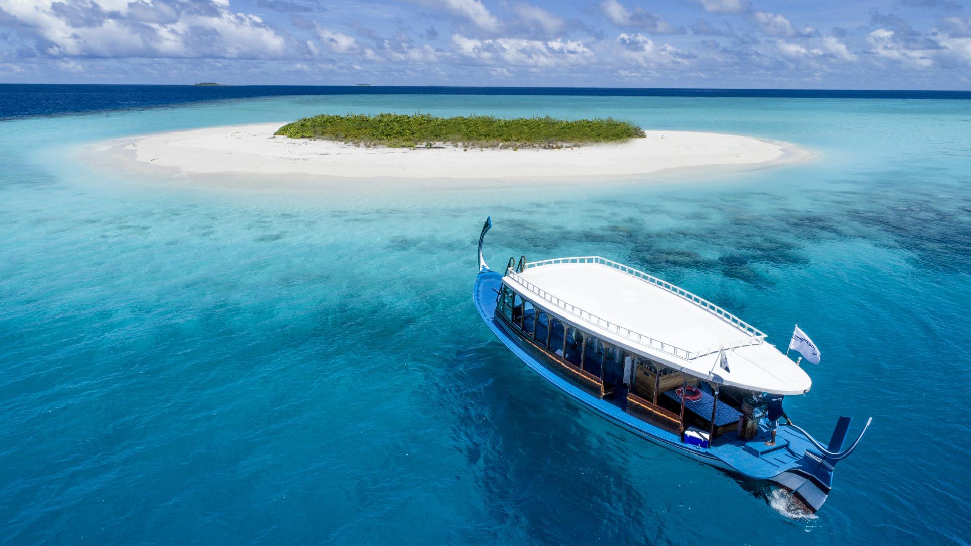 mercure-maldives-kooddoo-resort-genel-003