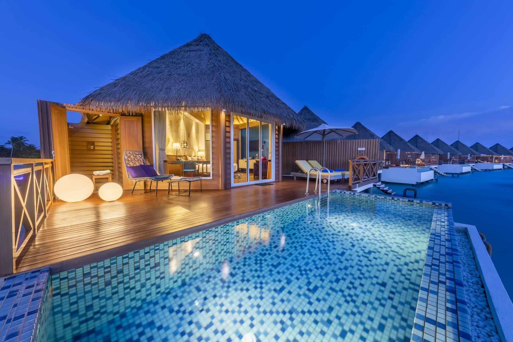 mercure-maldives-kooddoo-resort-genel-005