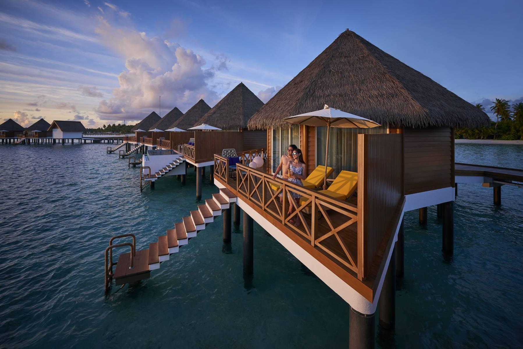 mercure-maldives-kooddoo-resort-genel-007