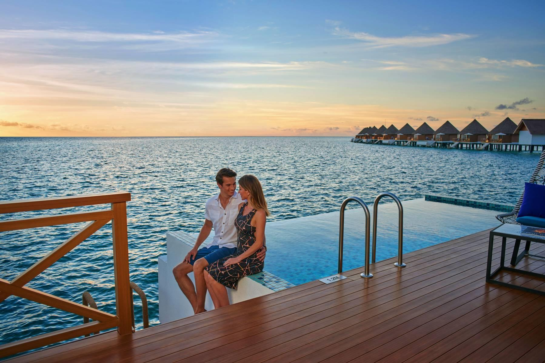 mercure-maldives-kooddoo-resort-genel-008