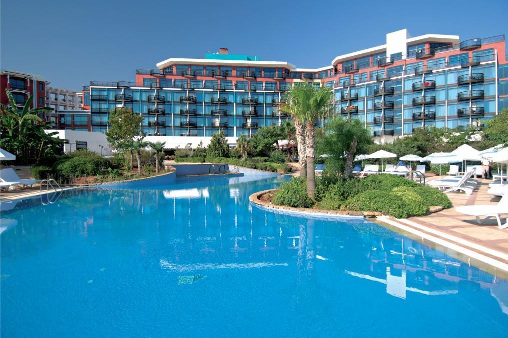 merit-crystal-cove-hotel-014