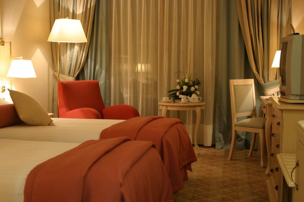 merit-crystal-cove-hotel-024