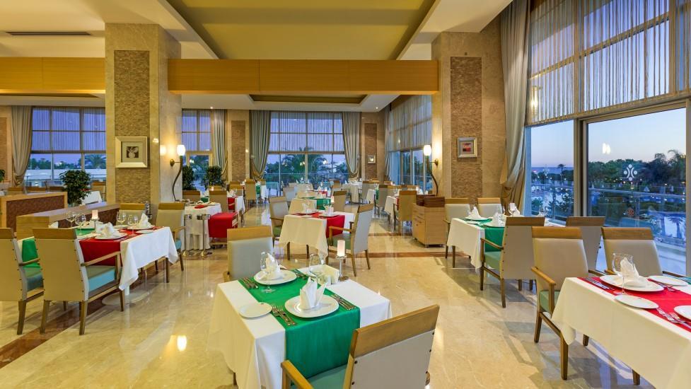 miracle-resort-hotel-004