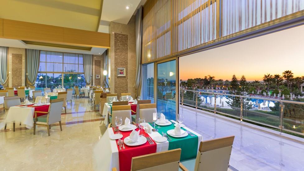 miracle-resort-hotel-005
