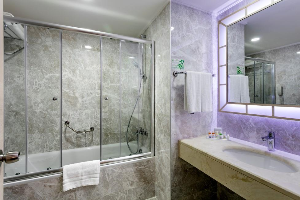 miracle-resort-hotel-094