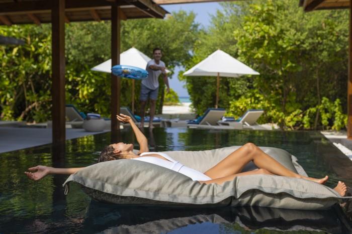 movenpick-resort-kuredhivaru-maldives-genel-0017