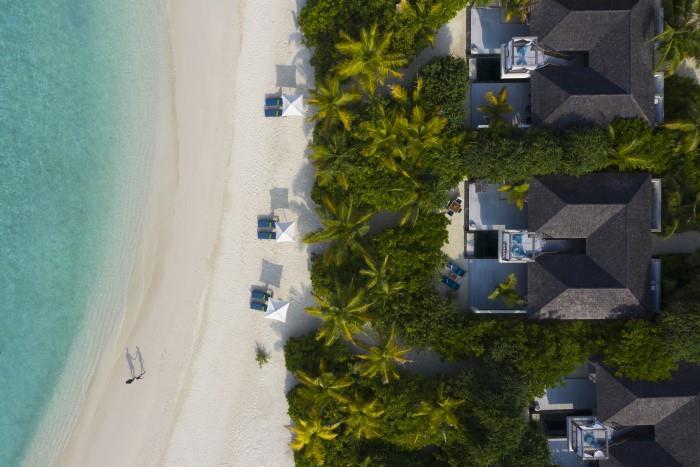 movenpick-resort-kuredhivaru-maldives-genel-002