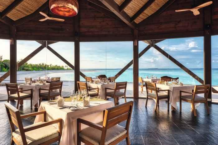 movenpick-resort-kuredhivaru-maldives-genel-004