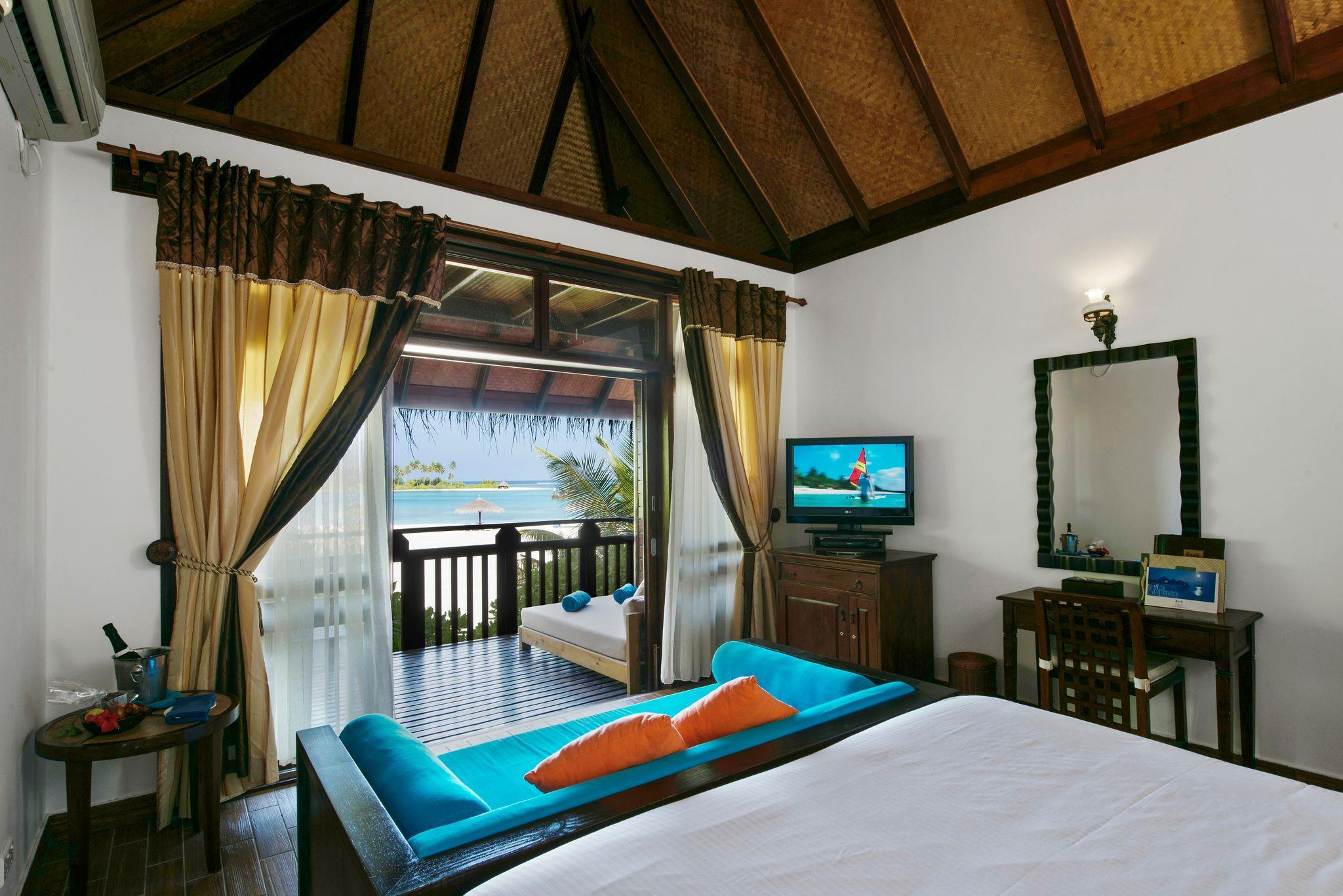 olhuveli-beach-spa-resort-genel-004