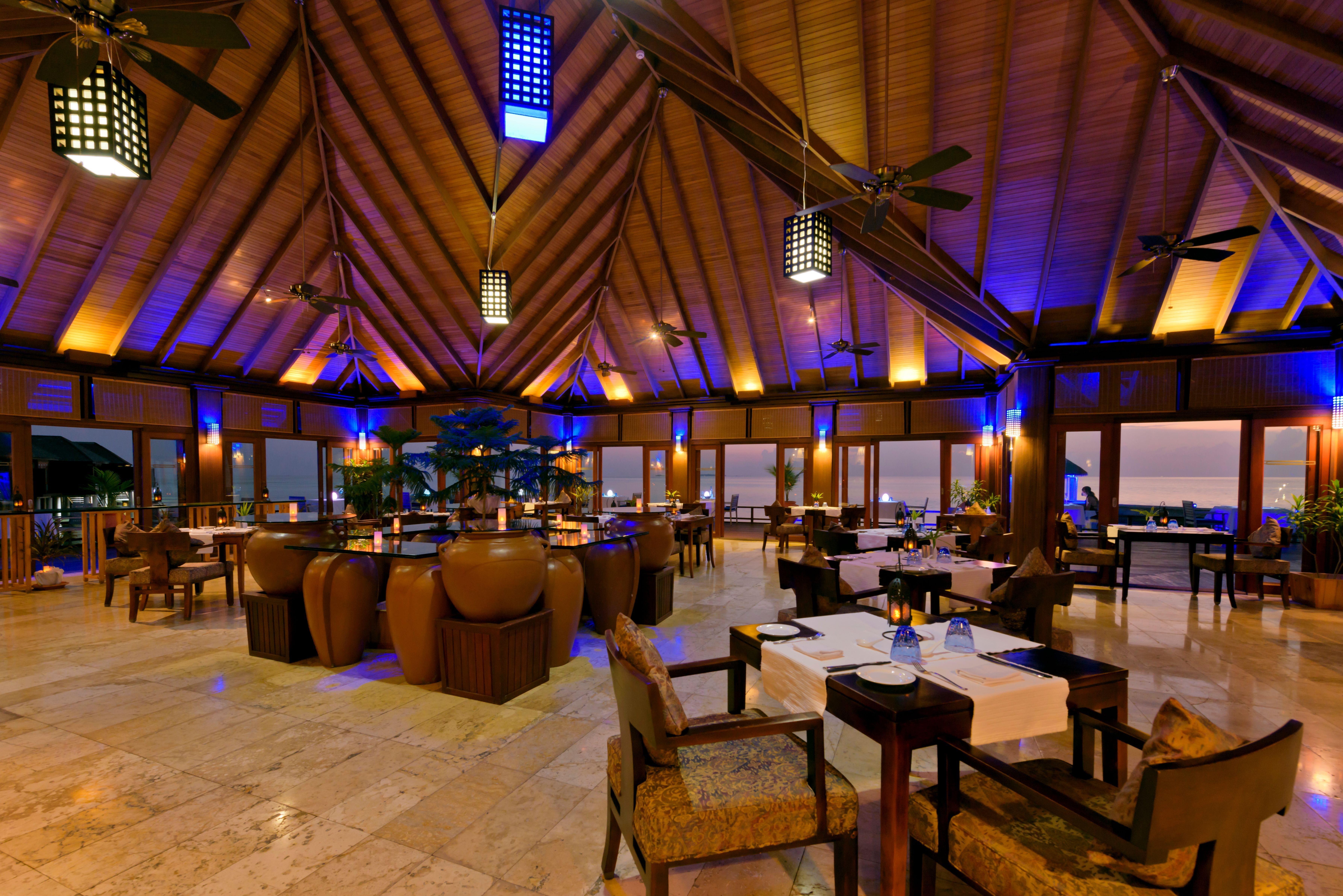 olhuveli-beach-spa-resort-genel-008