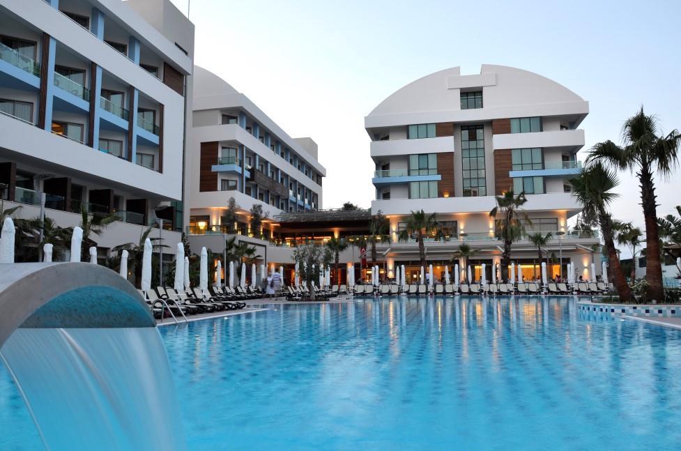 port-side-resort-hotel-005