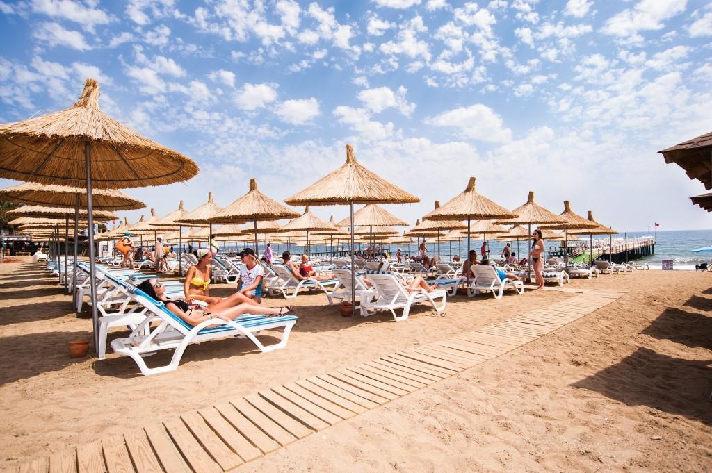 quattro-beach-resort-spa-002