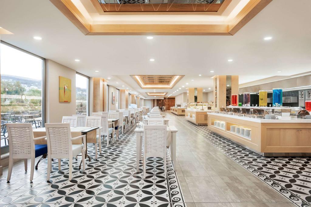 ramada-hotel-and-suites-kusadasi-genel-0016