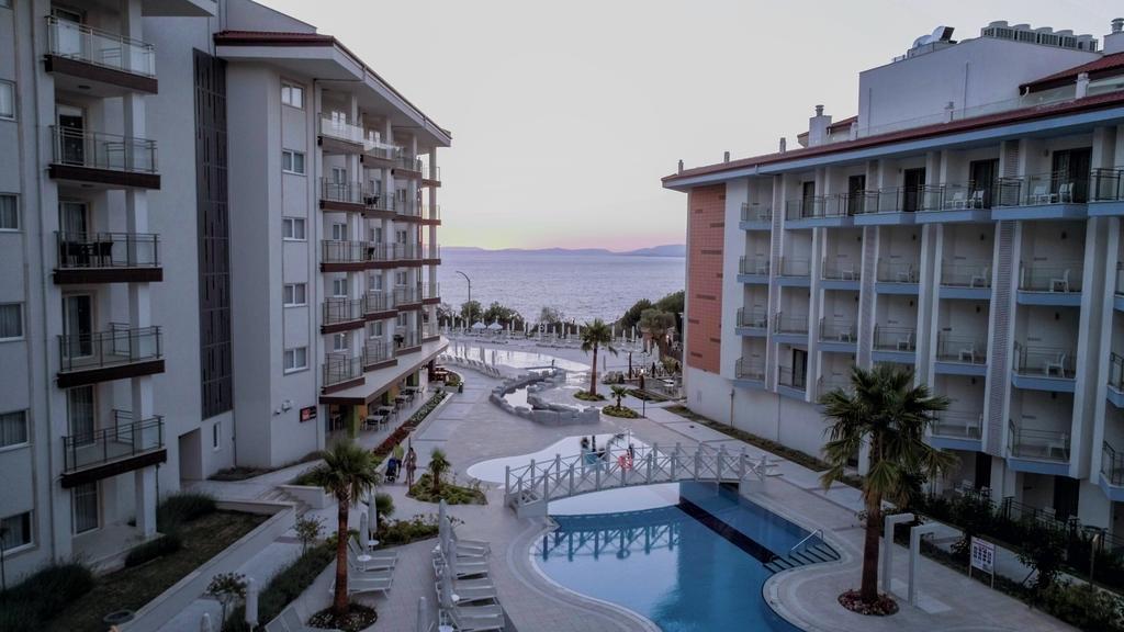 ramada-hotel-and-suites-kusadasi-genel-0023