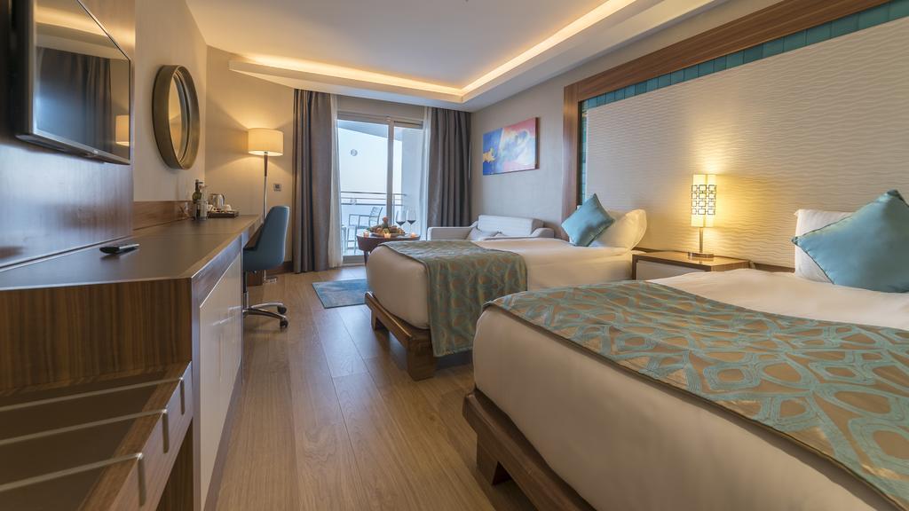 ramada-hotel-and-suites-kusadasi-genel-004