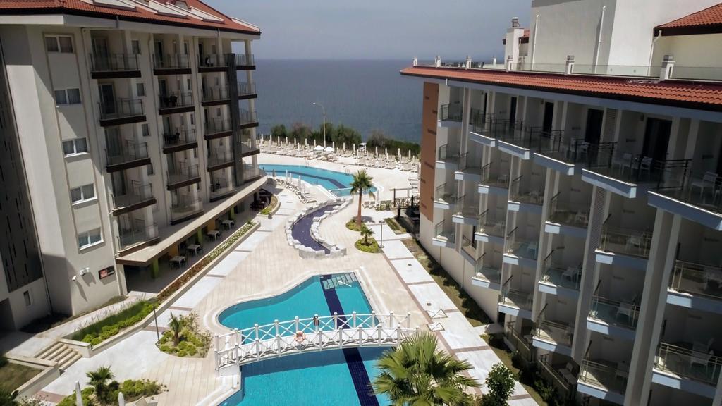 ramada-hotel-and-suites-kusadasi-genel-005
