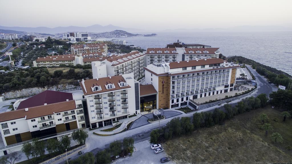 ramada-hotel-and-suites-kusadasi-genel-008