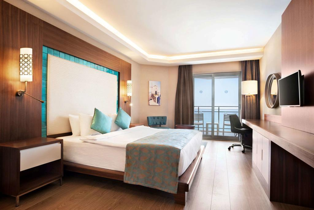 ramada-hotel-and-suites-kusadasi-genel-009