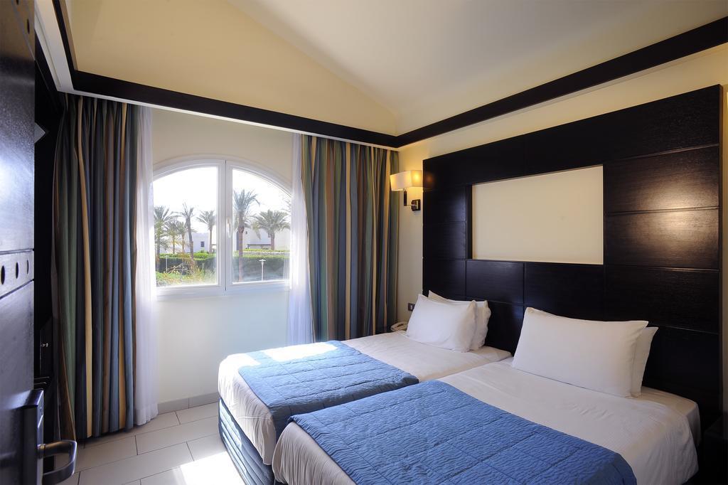 reef-oasis-blue-bay-resort-genel-008