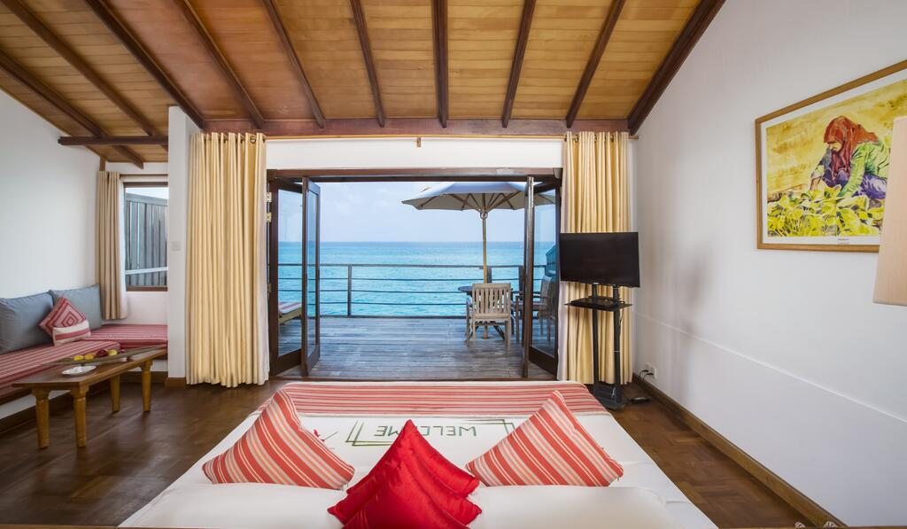 reethi-beach-resort-genel-002