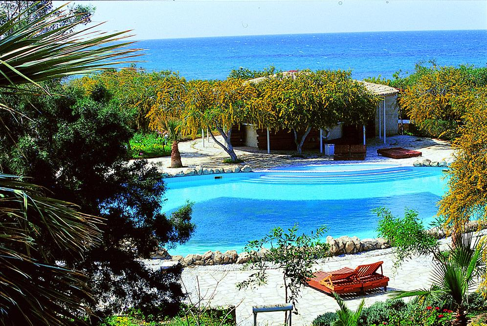 riviera-beach-bungalows-hotel-000