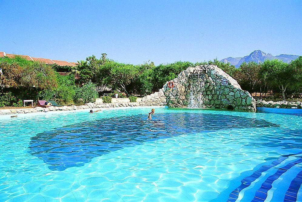 riviera-beach-bungalows-hotel-001