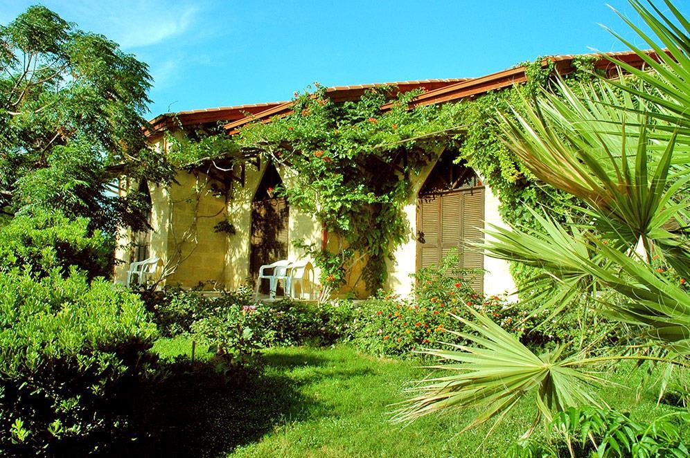 riviera-beach-bungalows-hotel-003
