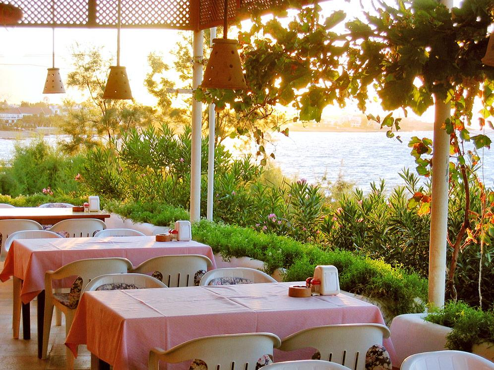 riviera-beach-bungalows-hotel-010