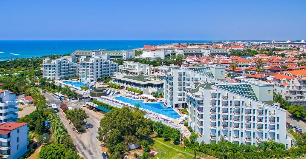 royal-atlantis-spa-and-resort-000
