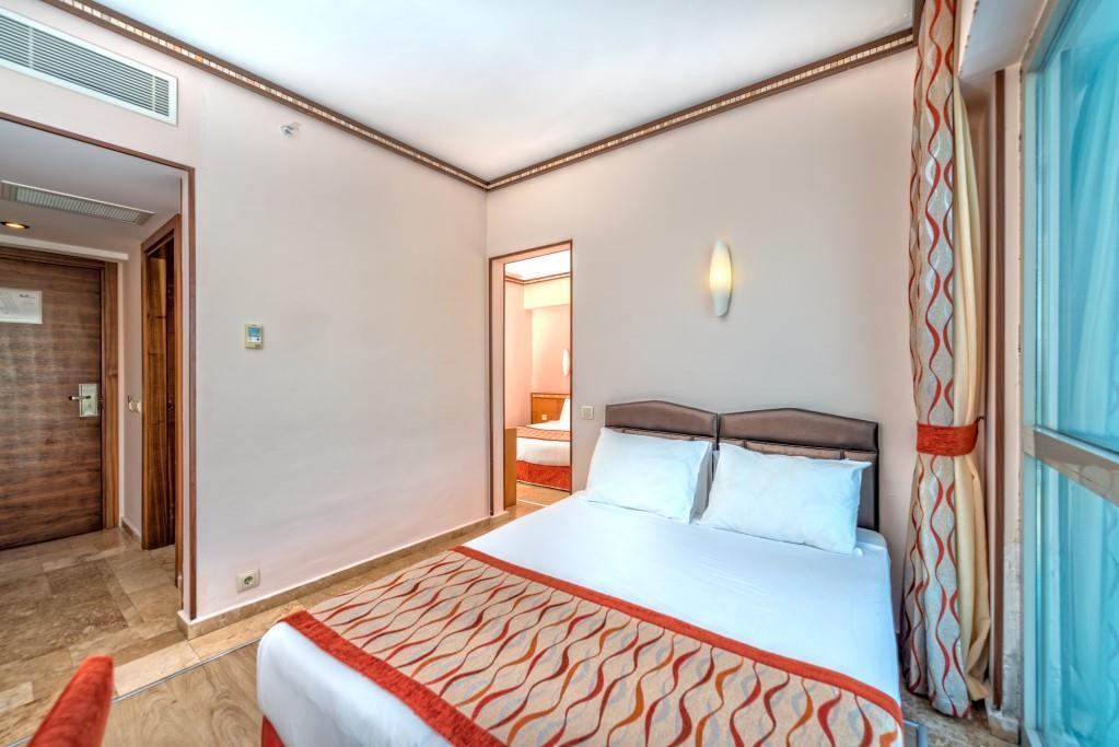 royal-atlantis-spa-and-resort-046