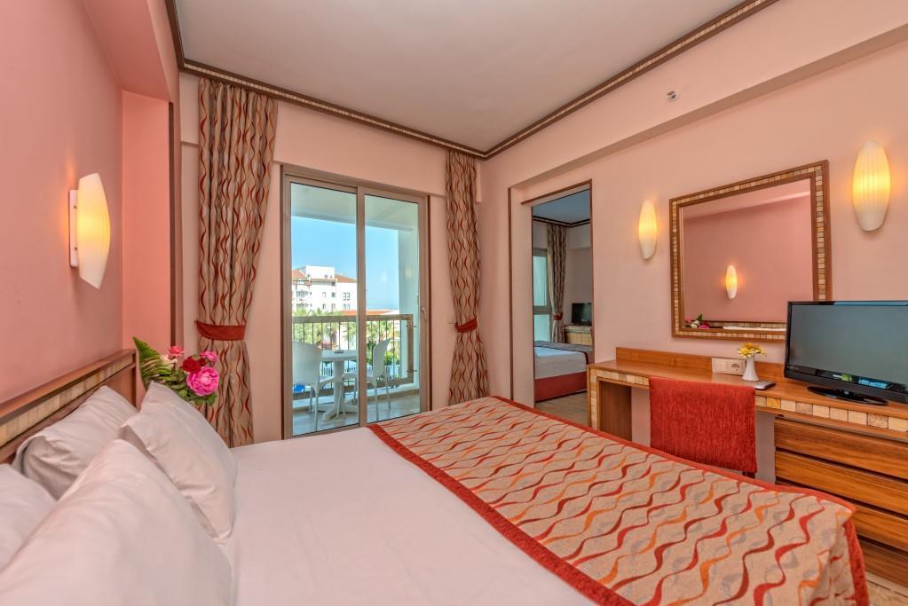 royal-atlantis-spa-and-resort-047