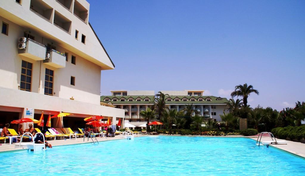 side-breeze-hotel-006
