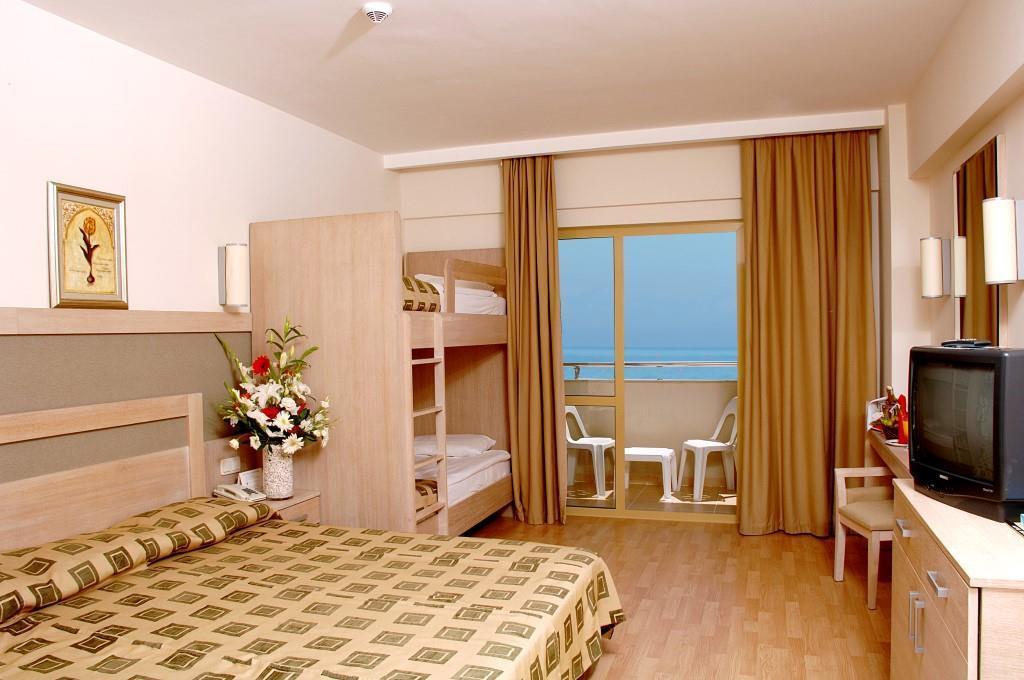 side-breeze-hotel-023