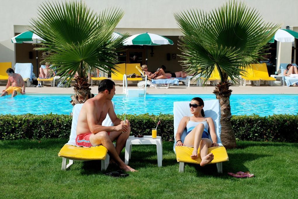 side-breeze-hotel-039