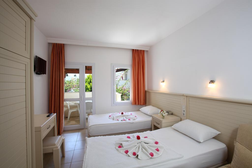 summer-garden-hotel-genel-008