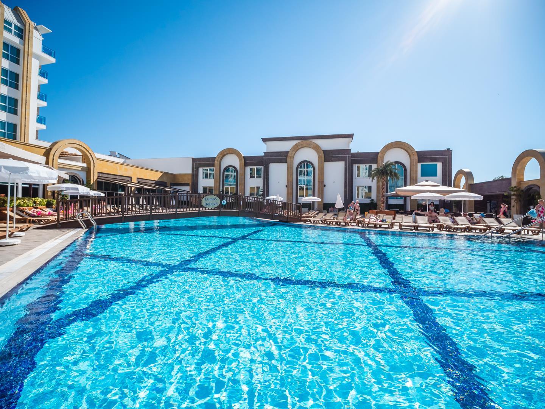 the-lumos-deluxe-resort-hotel-spa-genel-0022