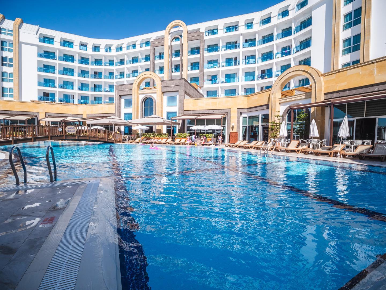 the-lumos-deluxe-resort-hotel-spa-genel-0024