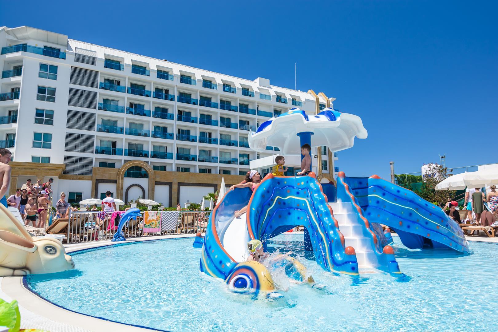the-lumos-deluxe-resort-hotel-spa-genel-0025