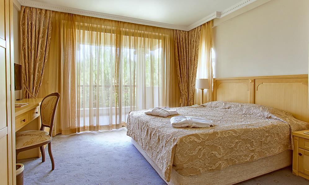 venezia-palace-deluxe-resort-006