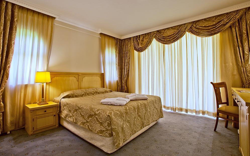 venezia-palace-deluxe-resort-007