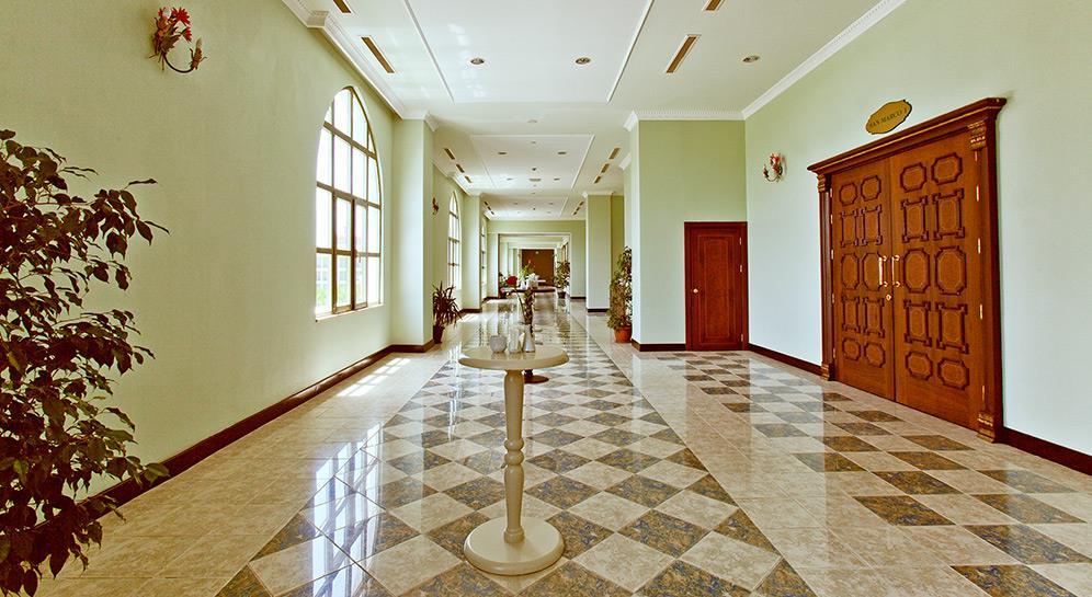 venezia-palace-deluxe-resort-012