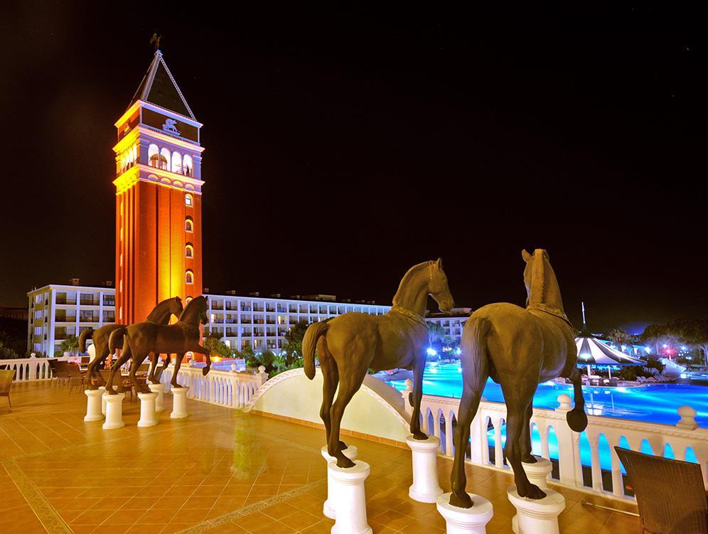 venezia-palace-deluxe-resort-028
