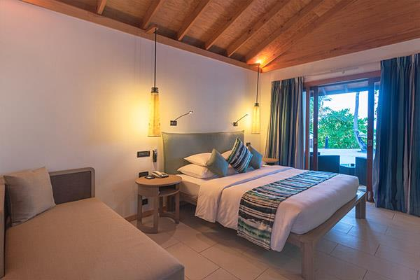 vilamendhoo-island-resort-genel-0015