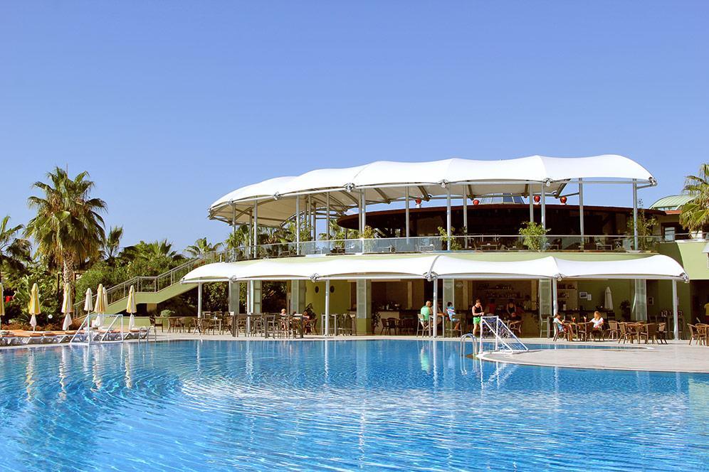 von-golden-coast-hotel-004