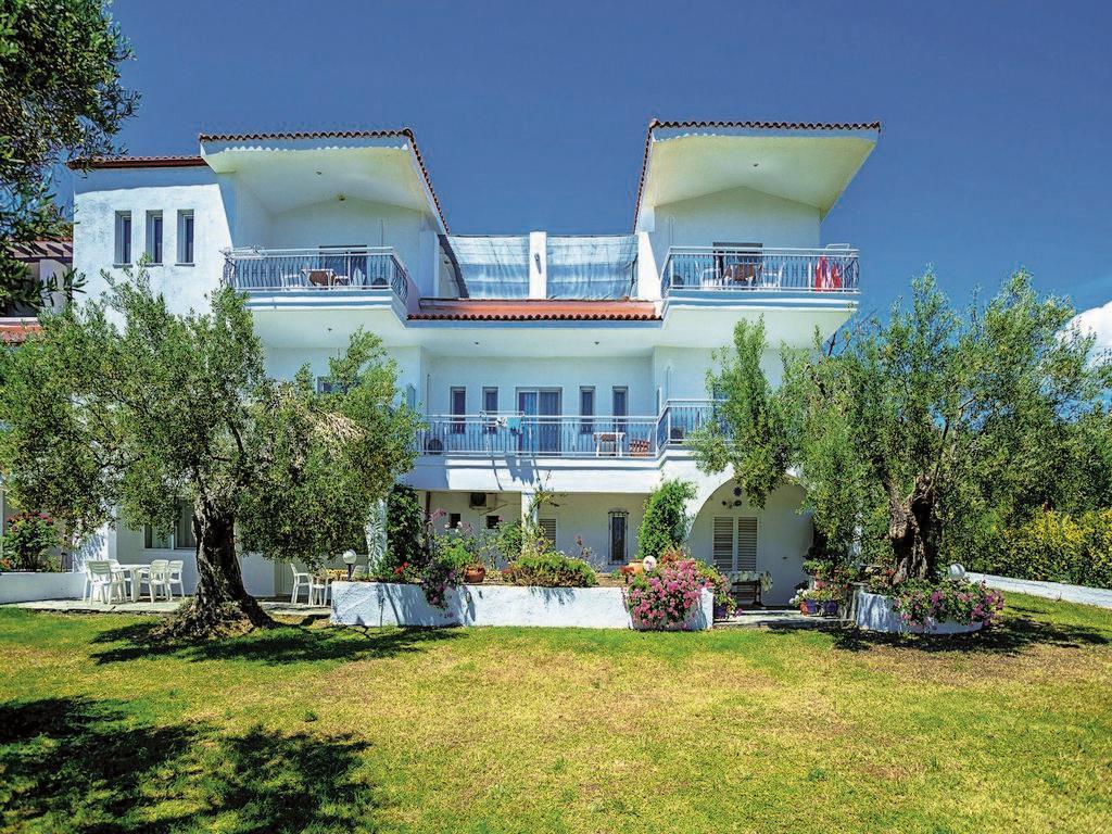 xenios-faros-apartments-genel-001