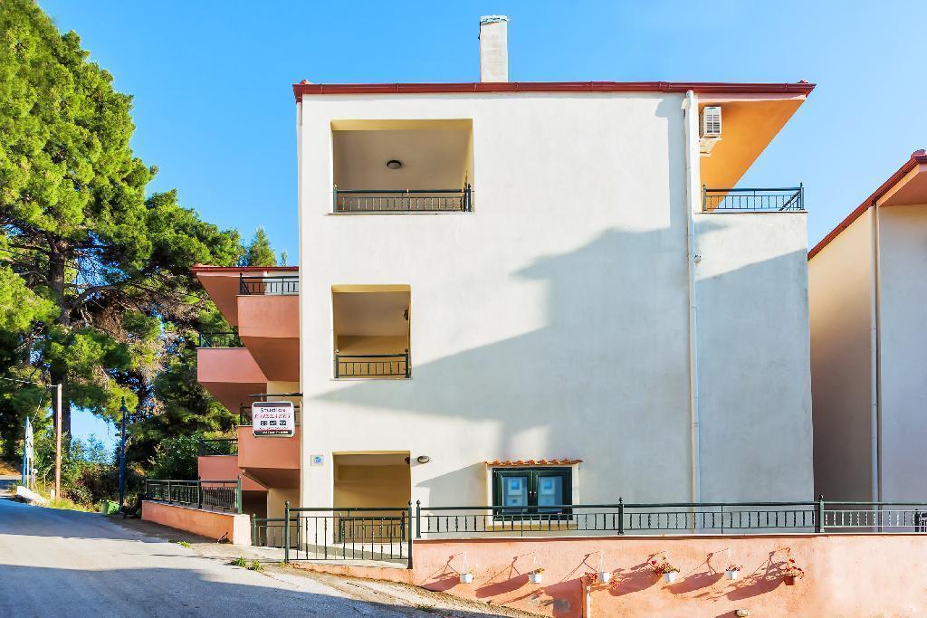 xenios-loutra-village-apartments-genel-0011